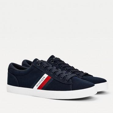 Sneaker azul con bandera de TH